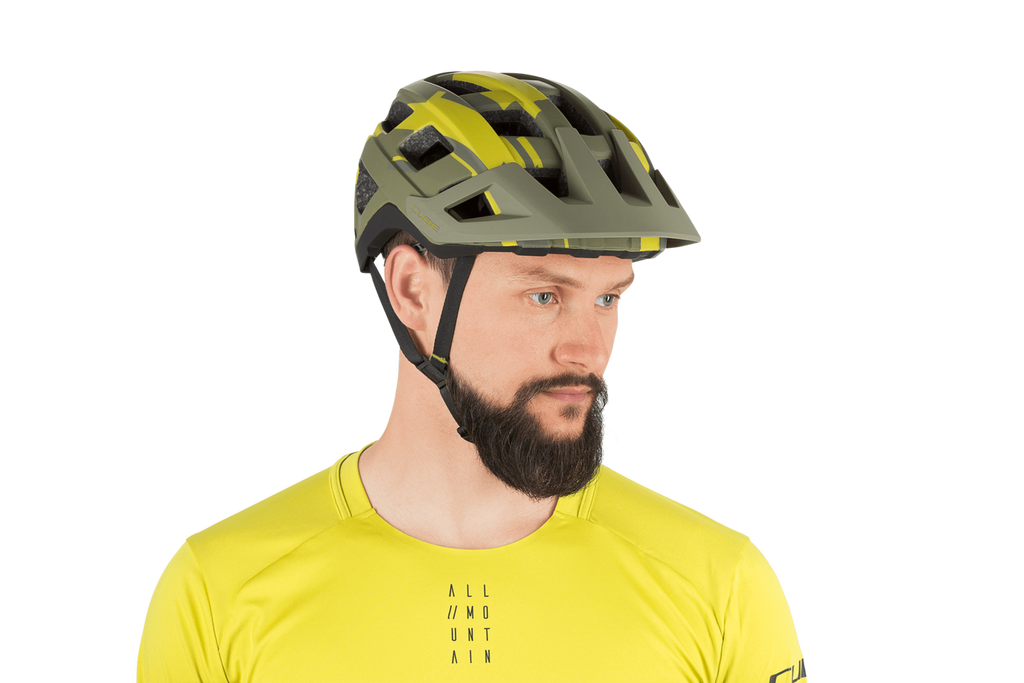 Casco BADGER Green Camo