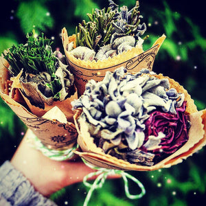 Smudging sticks - ritual - cleansing - divination - protection