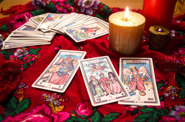 Full Moon Spread - Tarot moon phase - Divination - Tarot Card Reading