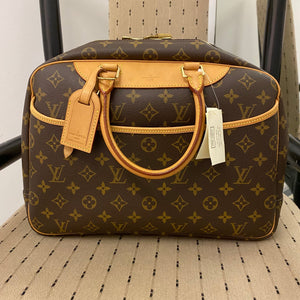 Louis Vuitton Deadstock Vintage Deauville Bag