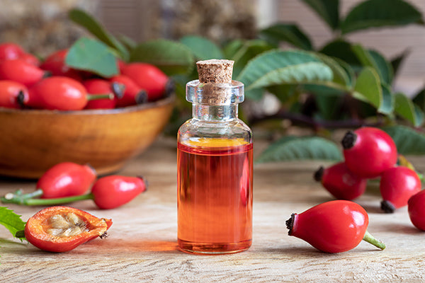 Image of bottle containing rosehip blend for dry skin
