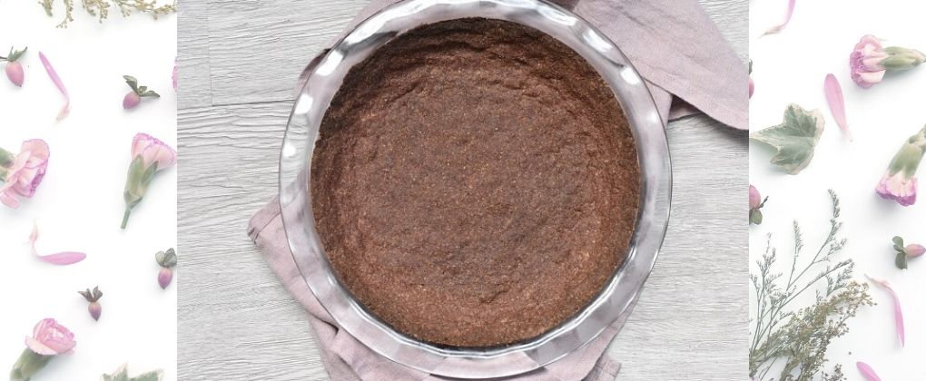 Low Carb & Keto Chocolate Cookie Pie Crust