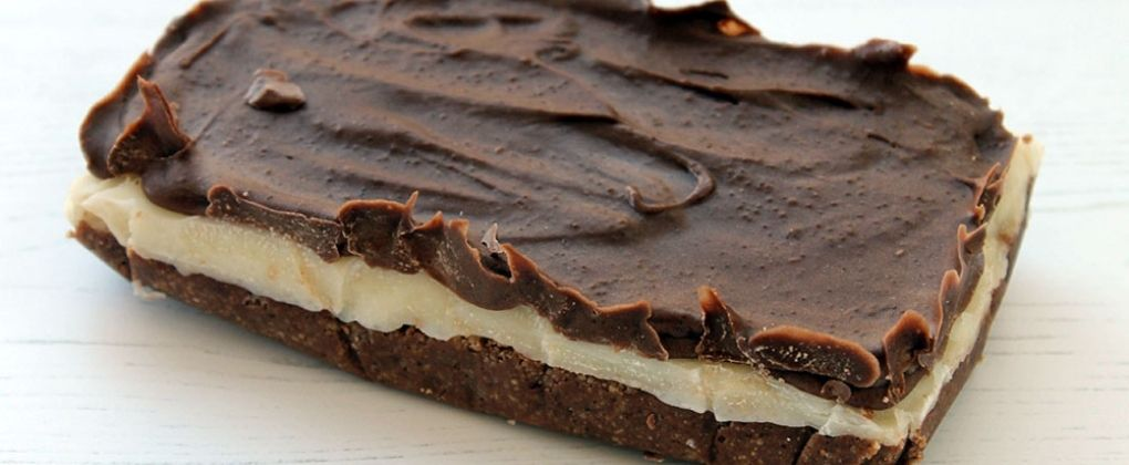 Keto-Friendly Chocolate Peppermint Slice