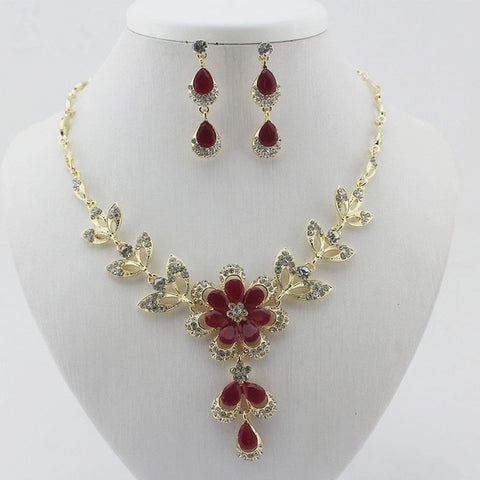 Spectacular  Necklace Earrings Jewelry Set