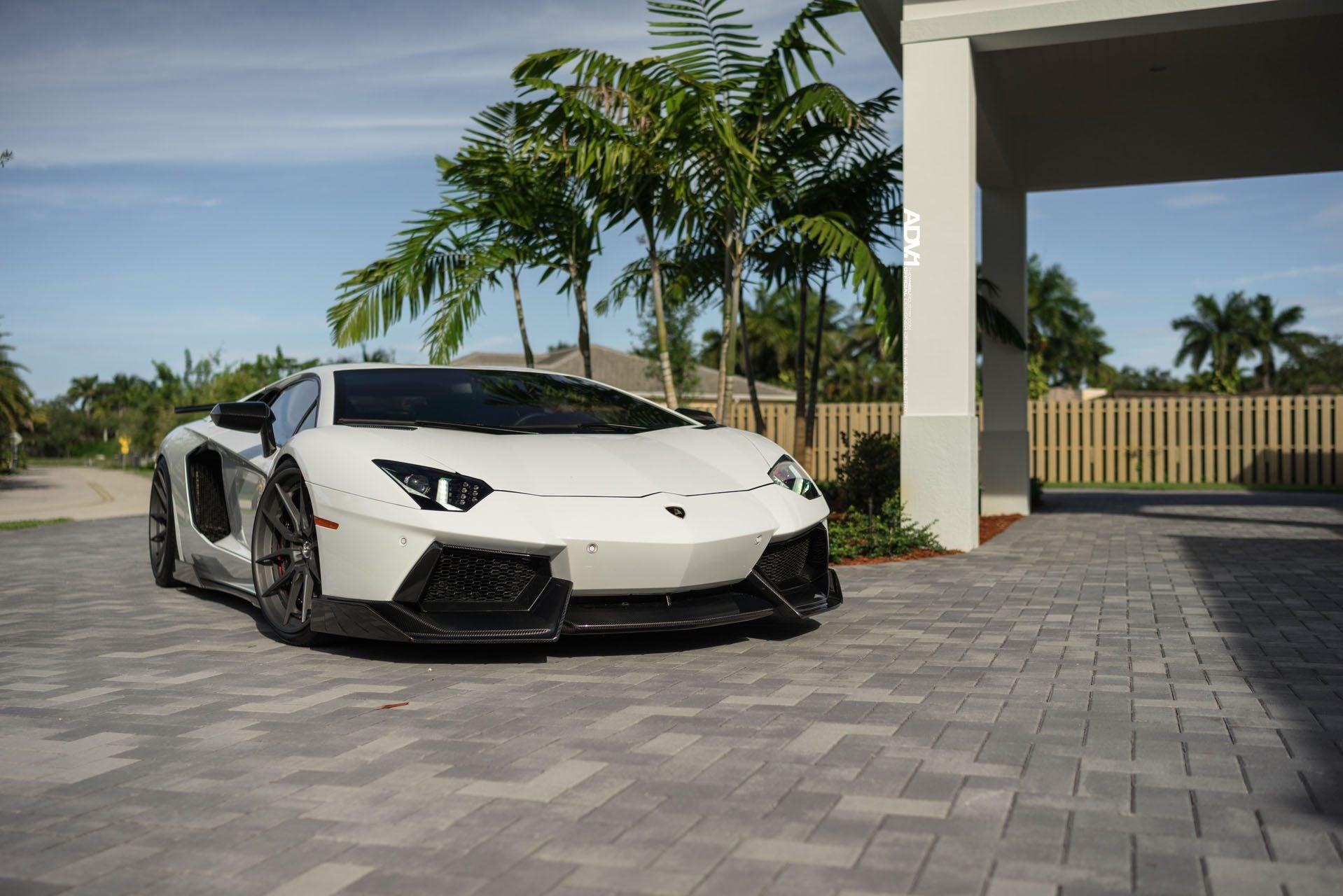 LAMBORGHINI AVENTADOR 1016 INDUSTRIES AERO KIT