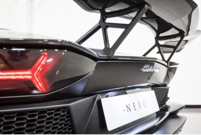 LAMBORGHINI AVENTADOR S NERO DESIGN TWIN REAR WING