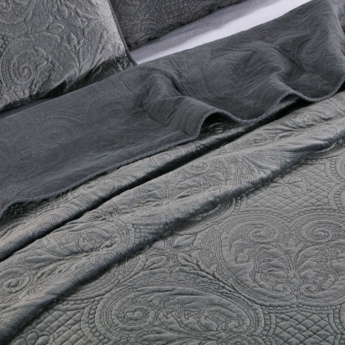 Kasentex Embroidery Luxurious Stone Washed Quilt Set With Pillow Shams