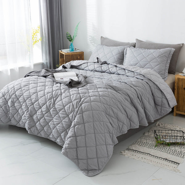 Kasentex Luxury Soft  Prewashed Technique Quilt Set with Box and Stripe Design, Reversible with Shams