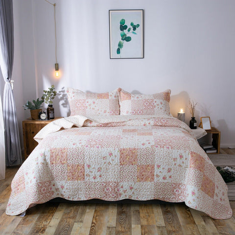 Kasentex Country-Chic Printed Pre-Washed Quilt Set. Microfiber Fabric Multi-Pink