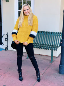 Turtle Neck Fur Sleeve In Yellow