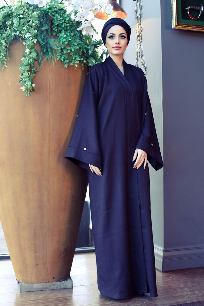BLACK ABAYA WOTH SQUARE GOLD EMBROIDERY ON THE SLEEVES
