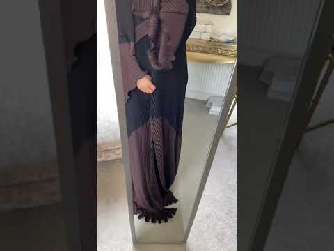 BLACK AND BROWN PLEATED ABAYA