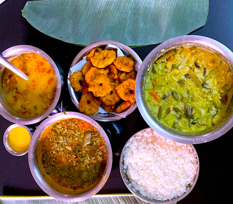 Tamil New Year Meal - Paruppu Payasam, Avial, medhu Vadai, Vada, Rasam, rice, ghee  – Tamil Cuisine – GirijaPaati Style South Indian traditional vegetarian recipes from an Indian grandmother's kitchen www.girijapaati.com