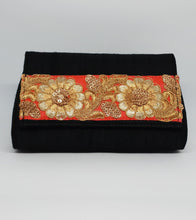 Load image into Gallery viewer, Black with Floral Basic Clutch
