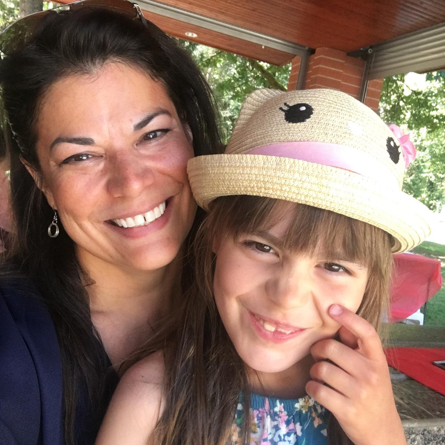 BFCM roundup, Satya founder Patrice Mousseau taking a selfie with her daughter Esma