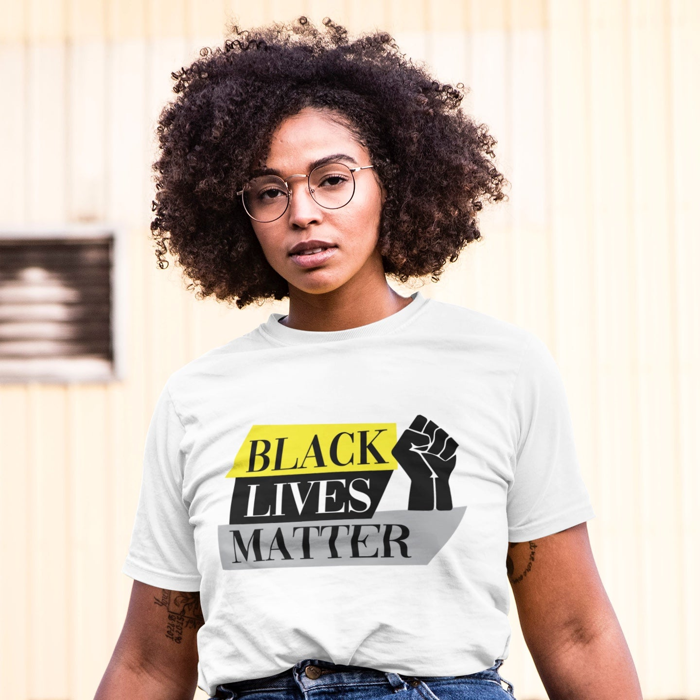 "Model wears a t-shirt that reads ""Black lives matter"""