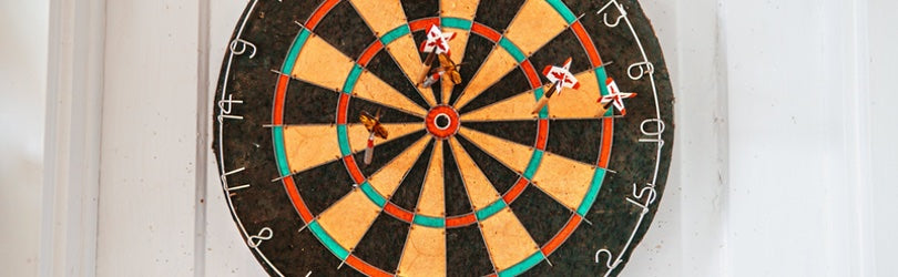 dart board as a metaphor for setting social media goals
