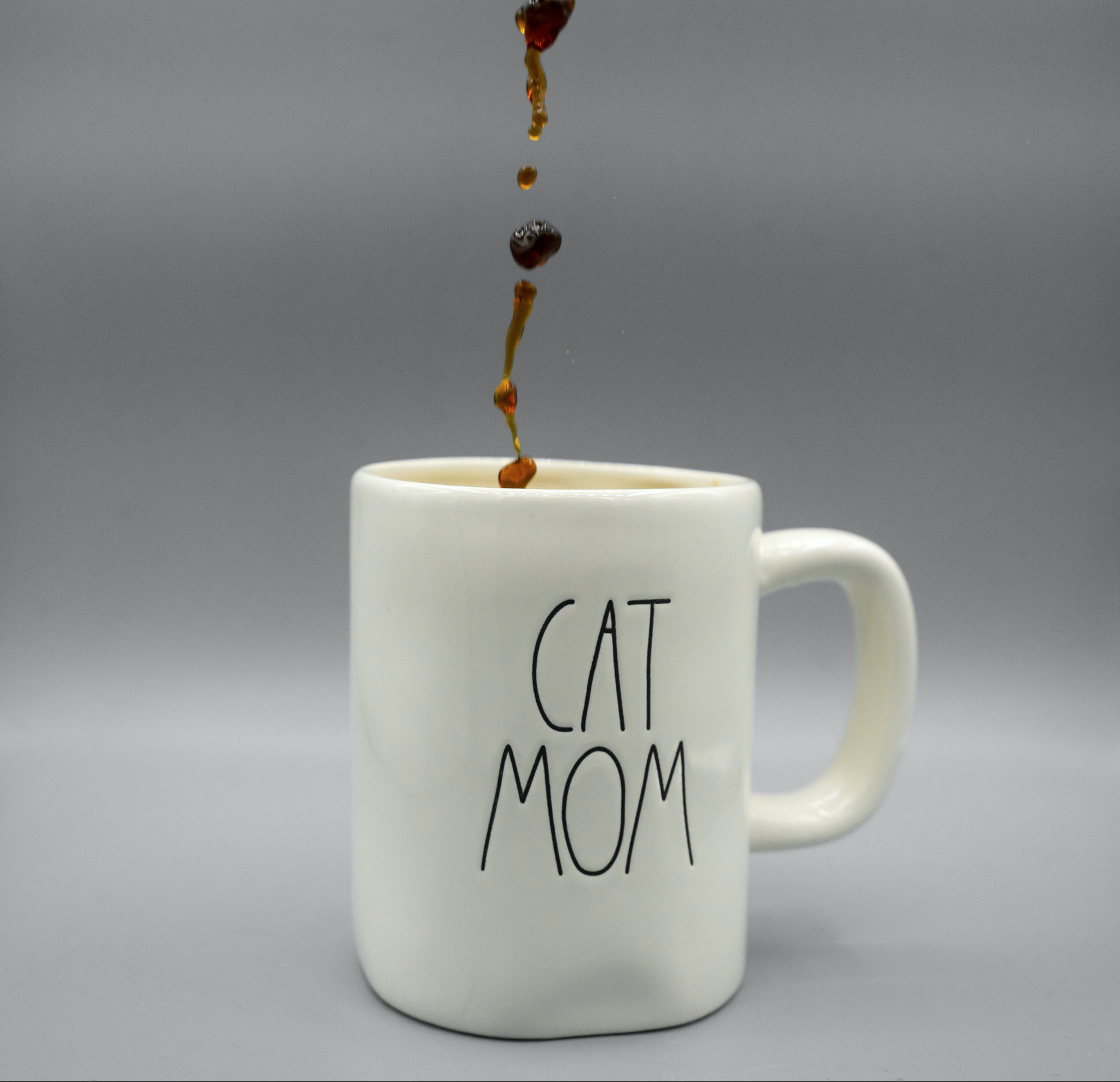 Mug with text that reads Cat Mom