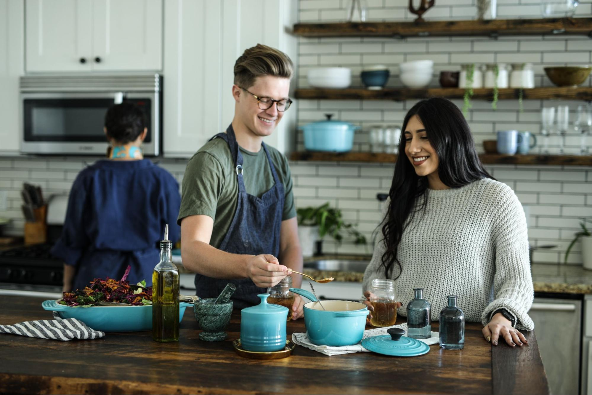 man-and-woman-in-cooking-class