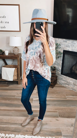 FALL VIBES TIE DYE TOP