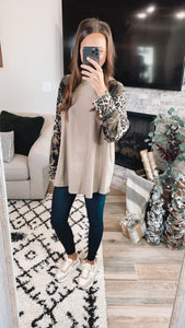 MIX PRINT LT OLIVE TOP