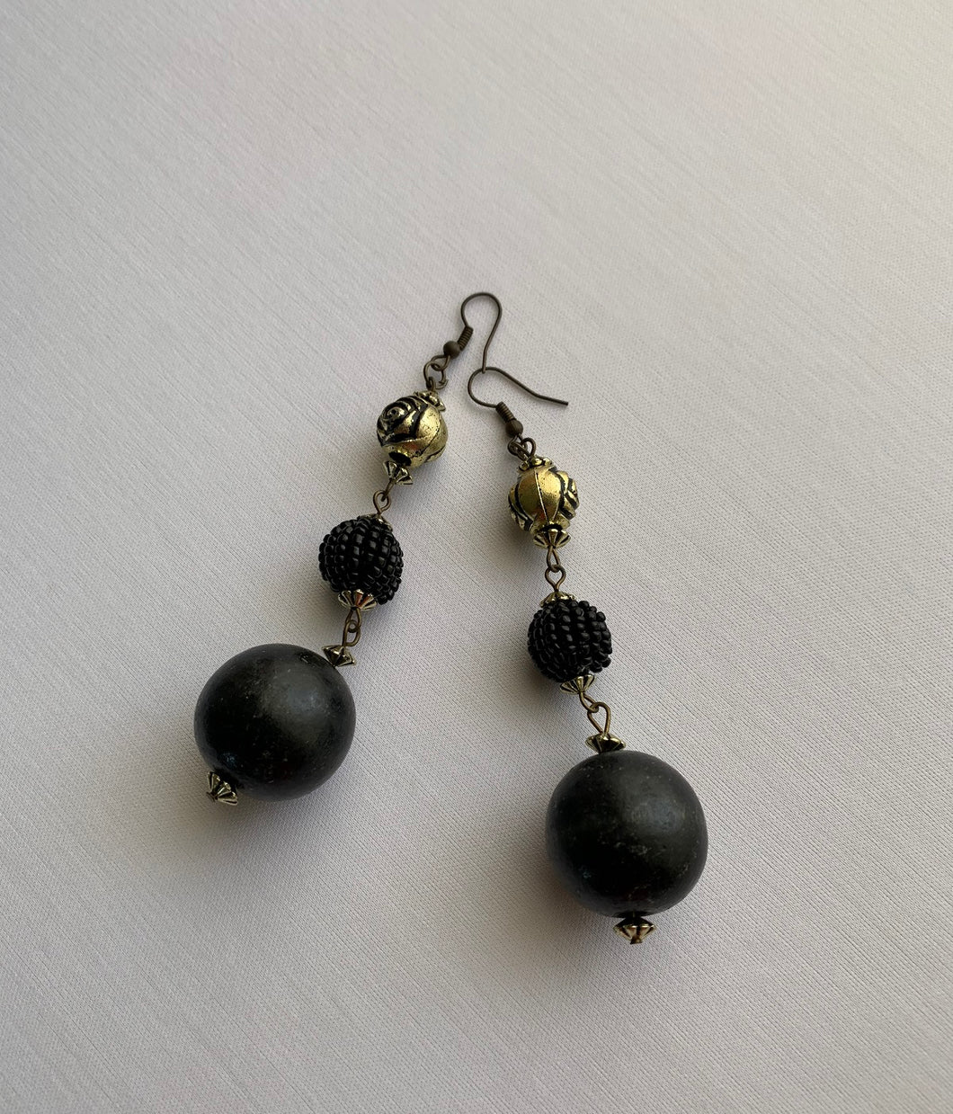 Ana Retro Black Earrings