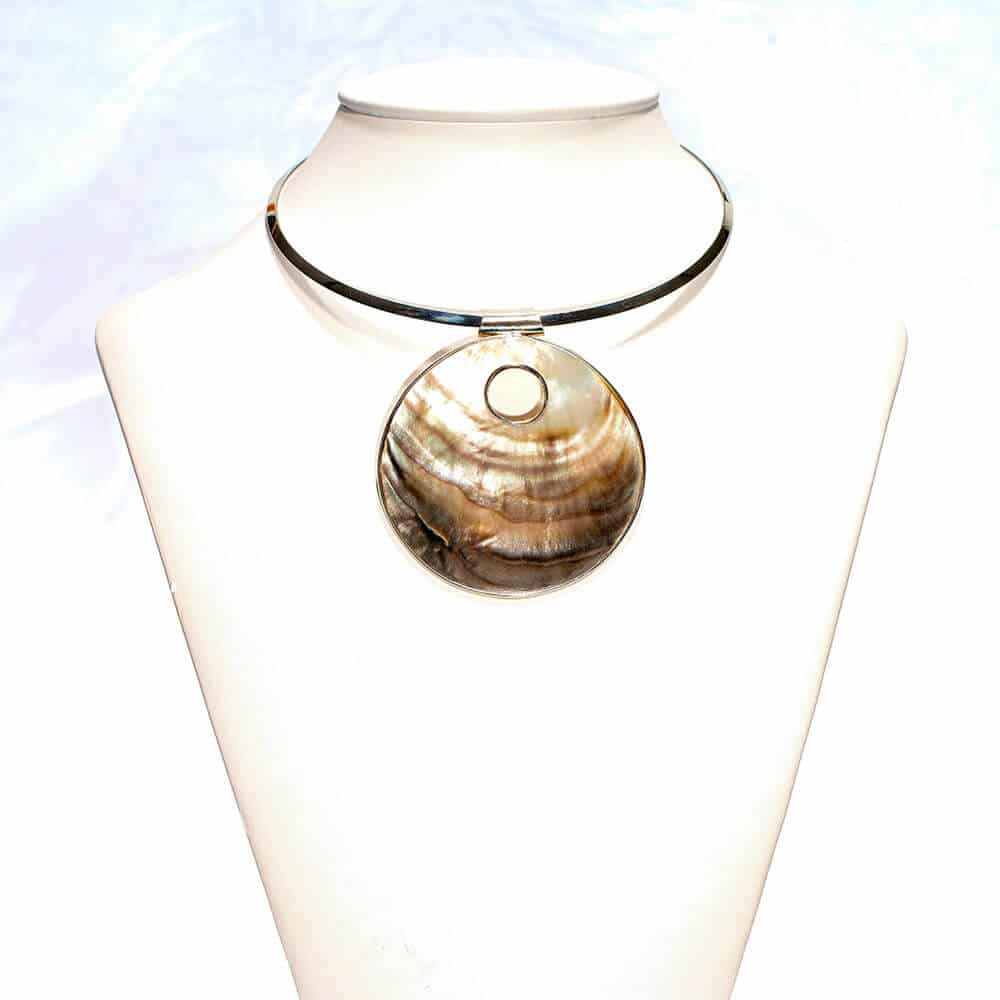 Mother Pearl Collar Necklace