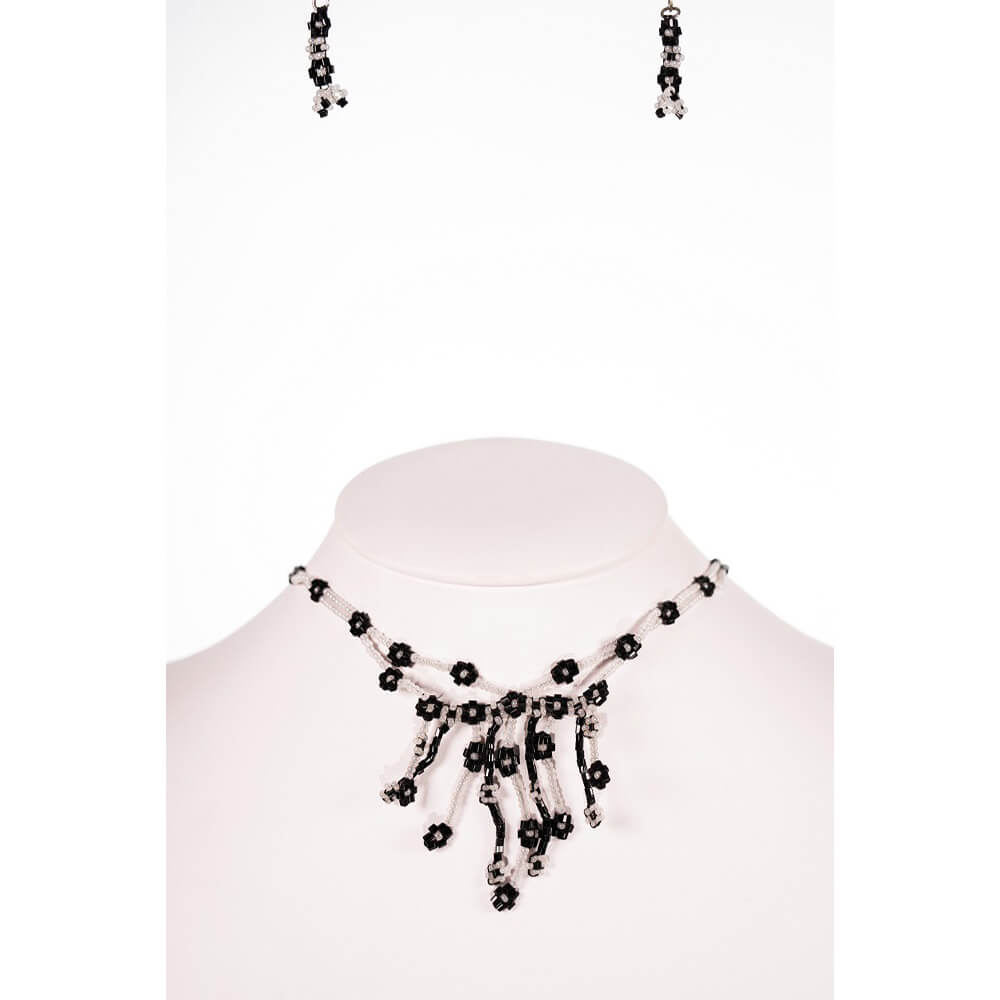 Naus Necklace Set