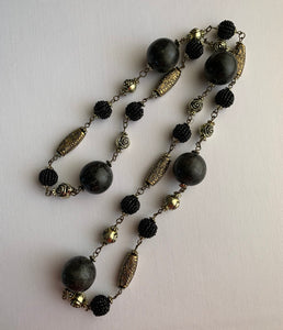 Ana Retro Black Necklace