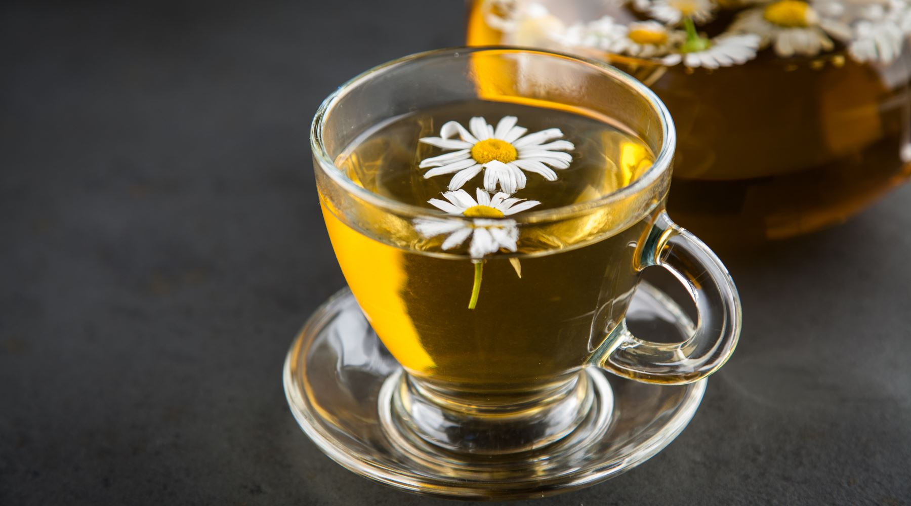 Different Ways in Which Chamomile Tea Benefits Your Health, Skin and Hair