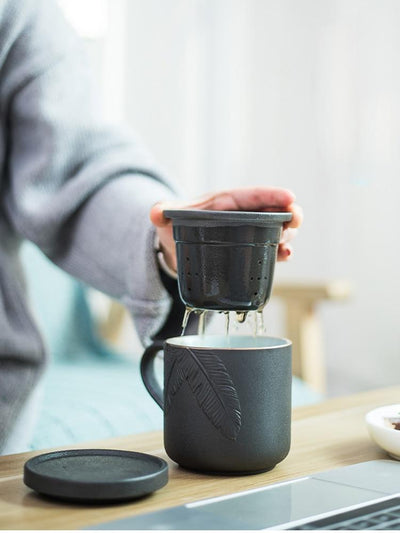 Embossed Ceramic Tea Mug With Infuser-TopicTea