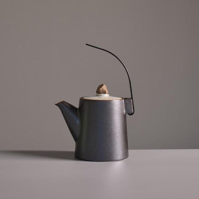 Japanese Teapot with Creative Handle-Black-TopicTea