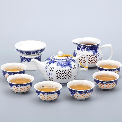 Porcelain Gaiwan Tea Set with See-Through Pattern-Style Q-TopicTea