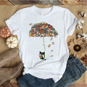 Book umbrella cat white Tshirt
