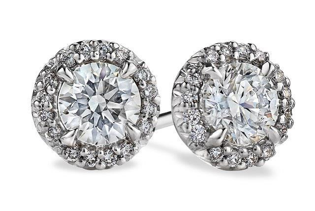 14k white gold 4.60 Carats round cut sparkling diamonds Studs earring
