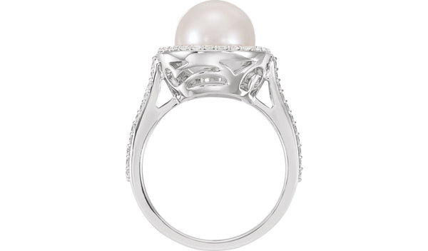 Halo-Style Ring for Pearl
