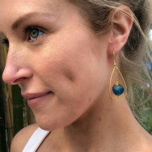 Load image into Gallery viewer, Teardrop earring - Emerald
