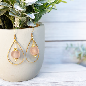 Teardrop earring - Blush Pink