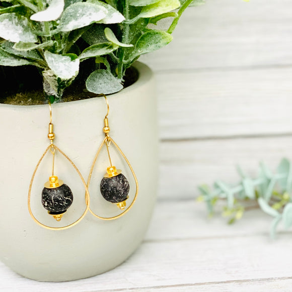 Teardrop earring - Black
