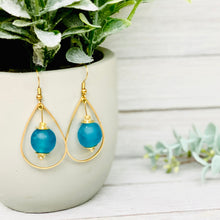 Load image into Gallery viewer, Teardrop earring - Azure
