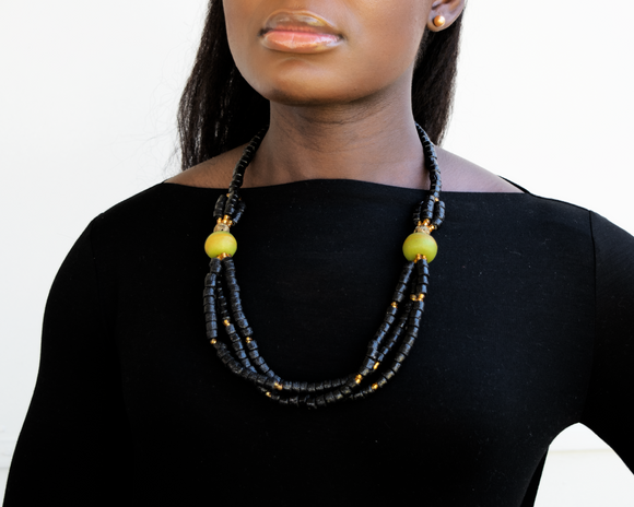 'Knot Your Average' necklace - Black