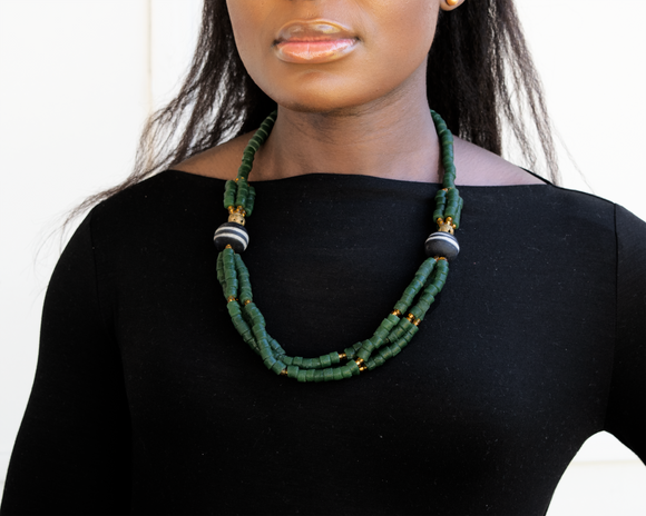 'Knot Your Average' necklace - Green