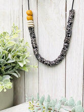 Load image into Gallery viewer, (Wholesale) Hand painted adjustable necklace - Black & White