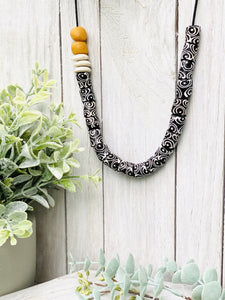 (Wholesale) Hand painted adjustable necklace - Black & White
