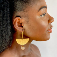 Load image into Gallery viewer, New Moon earring - Blush Pink