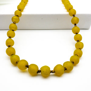 Long single strand necklace - Yellow