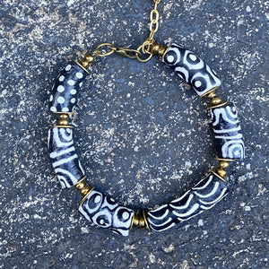 (Wholesale) Black & White Hand Painted Bracelet