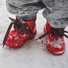 winter-clothing-tips-mittens-boots-hat-infant-toddler