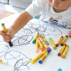 withorganic-toddler-creativity-drawing-organic-clothing
