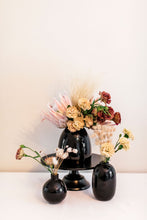 Load image into Gallery viewer, Black Squat Vase